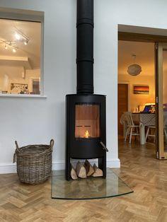 Modern Stoves, Modern Contemporary Homes, Log Burner, Home Appliances, Architecture, Wood, House, Fresh, Design