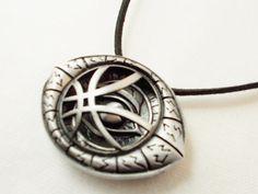 Doctor Strange eye of agamotto symbol unisex by 10dollarjewellery #doctorstrange #drstrange #agamotto #symbol