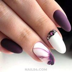 Cute Rhinestone Nail Designs and Ideas / Lovely & Chic Gel Manicure Design Ideas Gel Manicure Designs, Nail Art Designs, Nails Design With Rhinestones, Rhinestone Art, Art Nails, Manicures, Claws, Nailart, Design Ideas