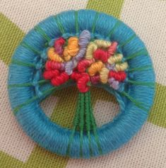 Another brooch with bullion knots - therapy!