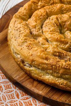 Arda'nın Mutfağı Mercimekli Börek Tarifi 22.12.2018 Turkish Recipes, Bagel, Bon Appetit, Projects, Arabic Recipes, Turkish Food Recipes