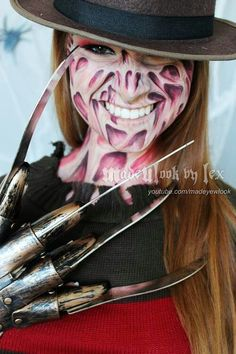 Okay so this is really good make-up I could not possible do it but I'm willing to try, It would make a killer costume lol ;)