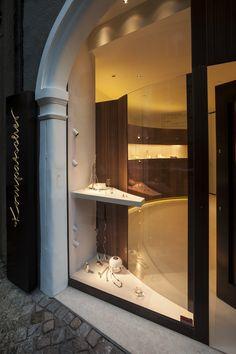goldsmith 'Atelier Kompatscher' by interior designer Stefanie Schönheinz info@schoenheinz-design.com www.atelier-kompatscher.com