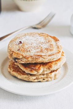 These pancakes were inspired by Mr. If you've been hanging out here for any length of time, you know that The Rutherfords are my sworn enemies. Possibly the single greatest threa… Pancakes For Two, Oat Pancakes, Waffles, Blueberry Oat, Breakfast Of Champions, Breakfast In Bed, Crepes, Breakfast Recipes, Delish