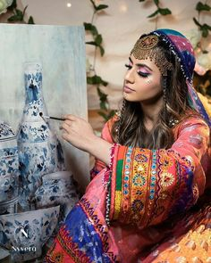 Afghan Clothes, Afghan Dresses, Afghanistan Culture, Afghan Girl, Vintage Gypsy, Black Angels, Bride Makeup, Lovely Dresses, Beautiful Roses