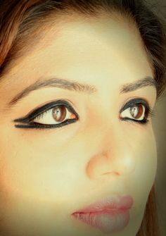 Leave sixties single winged eyeliner trend , get into twenties fashion hot seat by mastering double winged eyeliner.  http://www.spiceupboringlife.com/2013/10/diy-beauty-double-winged-eyeliner.html