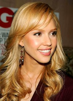 Jessica Alba Blonde Hair:  Hair Color Formula  Using 8gd, 8ca, gold concentrate and 20 volume cream; Apply from roots to ends; Process under heat for 15 minutes and out of heat for 15 minutes; Wet hair slightly, Emulsify, Rinse until water runs clear, Shampoo and Condition.  Styling-  Cocktailing Hydrate Leave-In, Gloss Serum, and Thermal 2 Twenty. Blowdry hair completely, with volume at root area, then create curl using preheated flatiron. Finish with Finale and Spray Gloss.