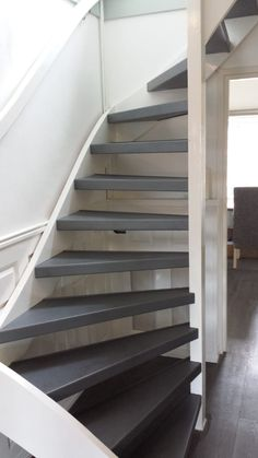 Roof Access Hatch, Open Trap, Stair Railing Design, Open Stairs, Interior Staircase, Attic Renovation, Bedroom Loft, Stairways, Small Living