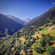 Le bec #montagnes #inlovewithnendaz #nendazisbeautiful #nendaz #valais #switzerland #visitvalais #suisse #nature #igersuisse #becdesetagnes #alpes #drone #dji #montagnes #mountains