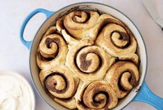 These fluffy cinnamon buns, smothered in the most addictive brown butter cream cheese icing, are the perfect breakfast treat. Overnight Cinnamon Rolls, Cinnabon Cinnamon Rolls, Baking Videos, Butter Icing, Food Network Canada, Cream Cheese Icing, Perfect Breakfast, Sweet Notes, Brown Butter