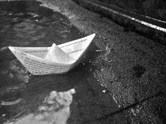 Boote aus Papier basteln und schwimmen lassen