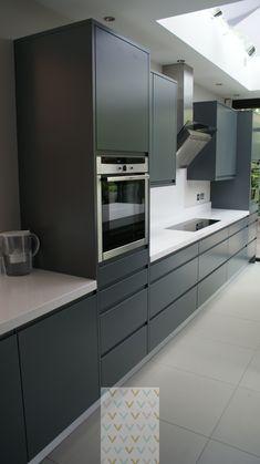 Modern handle-less grey matt painted bespoke kitchen with white Silestone tops in Kingston Surrey. Designed & fitted by . Grey Kitchens, Bespoke Kitchens, Cool Kitchens, European Kitchens, Modern Kitchens, Grey Kitchen Designs, Modern Kitchen Design, Contempory Kitchen, Kitchen Flooring