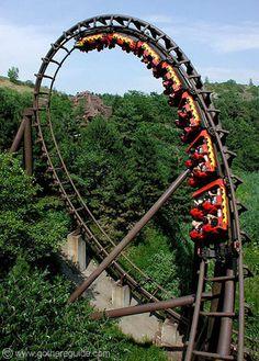 Marineland, Niagara, ON, Canada. ...My first upside down roller coaster!