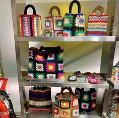 Cute Crochet, Crotchet, Duomo Milano, Bags, Instagram, Fashion, Crochet Pouch, Throw Pillows, Summer Bags