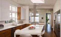 Contemporary | 20 Kitchens With Stylish, Two-Tone Cabinets --- Open space!