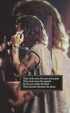 Harry Styles | ctto: @stylinsonphones One Direction Tattoos, Malik One Direction, Harry Styles Pictures, Queen, Harry Edward Styles, Pen And Paper, Larry Stylinson, People Quotes, Future Husband