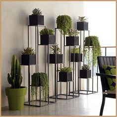 Quadrant Plant Stand with Four Planters (C). Green Indoor plants Tropical Boho Bohemian Relax Nature Hippy Bold Paint Styling Interior Design Home Botanical Herb Garden Design, Garden Ideas, Diy Plant Stand, Indoor Plant Stands, Plant Decor, Indoor Plants, Indoor Gardening, Indoor Outdoor, Organic Gardening