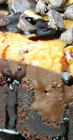 - Here is the recipe for perfectly tasty Peanut Butter Chocolate Poke Cake. It takes a special place in my cookery book. I am crazy about this combination. Peanut Butter Sheet Cake, Peanut Butter Candy, Peanut Butter Desserts, No Cook Desserts, Chocolate Peanut Butter, Chocolate Recipes, Cake Chocolate, Chocolate Dreams, Chocolate Heaven