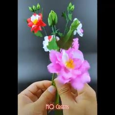 Paper Craft Ideas 2019 TOP 5 Origami Easy Paper Flower - Paper Craft Ideas 2019 Paper Flower Craft This adorable paper flower craft is perfect for welcoming spring in. Paper Flower Garlands, How To Make Paper Flowers, Paper Flowers Craft, Diy Flowers, Paper Crafts, Flower Paper, Dahlia Flowers, Paper Dahlia, Paper Roses