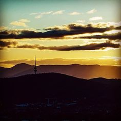 We love seeing your amazing photos of this amazing city! Instagrammer @alexkess recently shared this epic image of Telstra Tower at sunset using #visitcanberra
