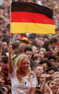 German Gal - Euro 2012 in Pictures. Hot Football Fans, Football Is Life, Football Girls, Soccer Fans, Football Match, German Women, German Girls, Fifa, Hot Fan