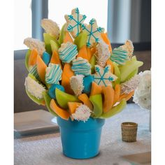 Snowday Blossom scent free fruit bouquet are great for all occasions and make great gifts ideas or decorations from a proud Canadian Company. Great alternative to traditional flowers or fruit baskets Christmas Arrangements, Fruit Arrangements, Dessert For Two, Dessert Bars, Vegetable Shop, Cheese Fruit, Free Fruit, Fruit Of The Spirit, Candy Bouquet