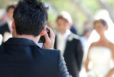 Le choix d'un photographe de mariage Pour des photos de mariage réussies, il est impératif de choisir un professionnel sinon spécialisé, du moins habitué à prendre ce type de clichés. Cette prestation a un coût, mais l'investissement consenti vous assure d'une haute qualité pour des souvenirs inoubliables !