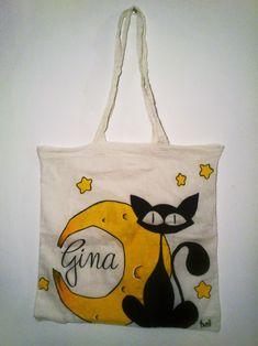 """Bolsa """"Gato y Luna"""", personalizada. 100% algodón de 36x36cm, pintada a mano con pintura y rotulador textiles."""