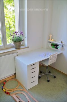 DIY and Crafts Hellweg children& room bunk bed desk youth room hardware store children& room Bedroom Desk, Blue Bedroom, Teen Girl Bedrooms, Teen Bedroom, Youth Rooms, Bunk Bed With Desk, Kid Desk, Bedroom Layouts, Home Office Design