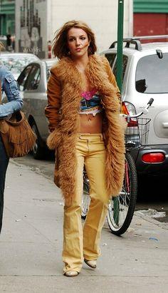 ♥ ♛ Britney Spears ♛ ♔♕☻☽ it's Britney, bitch ♛ Britney Spears Early 2000s Fashion, 90s Fashion, Vintage Fashion, Fashion Outfits, Womens Fashion, Britney Spears Outfits, Britney Spears Photos, Mode Für Teenies, Vogue