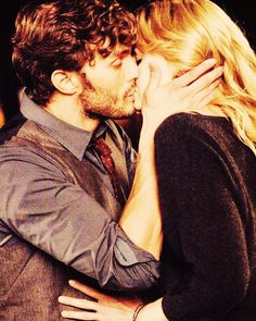 Once Upon A Time / Emma & Graham. i still can't believe they killed him