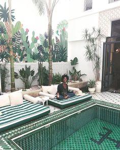- α в ѕ σ l u t є ☆ в l í ѕ ѕ (@absoluteblissyoga) op Instagram: 'R I A D • Ч A S M I N E • 🌴 . . A true oase of Bliss at the beautiful @leriadyasmine . .…'