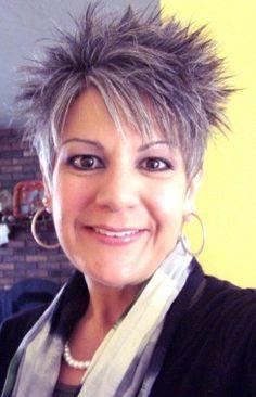 FÄLLIGES WEB COLLECTION Kurze Grau weiblich Gerade Spikey Farbige Multi-tonalen Frauen Frisuren hairstyles