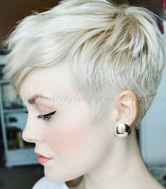 Face Framing Short Pixie Hairstyle Ideas // #Face #Framing #Hairstyle #Ideas #pixie #Short