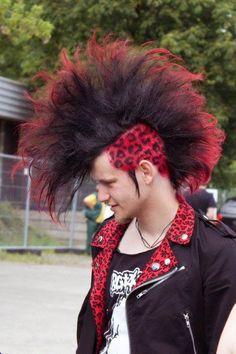 Deathrock Fashion, Punk Fashion, Punk Mohawk, Estilo Punk Rock, Mohawk Hairstyles Men, Punk Mode, Pink Dye, Natural Hair Styles, Long Hair Styles