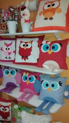 Set aside a weekend for these easy crafts to make and sell. These are the projects you need, if you want to start selling! Owl Sewing, Sewing Toys, Sewing For Kids, Sewing Crafts, Sewing Projects, Baby Pillows, Kids Pillows, Animal Pillows, Burlap Pillows