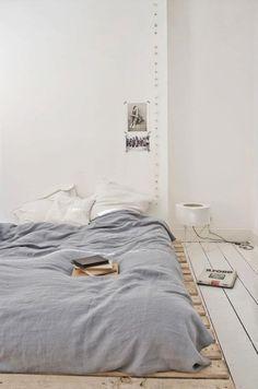 Lav seng Seng på gulvet Paller? Korte ben?