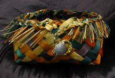 Kono Flax Weaving, Loom Weaving, New Zealand Flax, Flax Fiber, Maori Designs, Maori Art, Pebble Painting, Weaving Patterns, Natural Materials