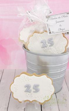 Galletas Bodas de Plata #galletas #bodasdeplata #boda #wedding #cookieswedding…