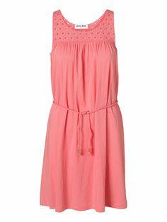 Wear this cute VERO MODA dress to your next summer party! #veromoda #dress #summer #fashion @Veronica MODA