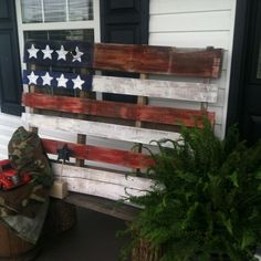 Repurpose a wooden pallet by painting like a flag! - LOVE THIS!!!