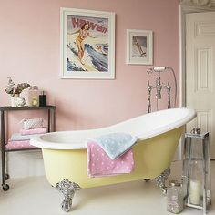 I want this bathroom! So adorable!