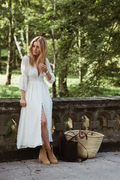 Look Of The Day Dziewczyna Boho Na Pensji Czyli Piknik Pod Wiszaca Skala Na Upalny Sierpniowy W Boho Fashion Fall White Boho Dress European Fashion Summer