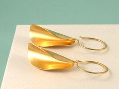 Kendra Renee's Classic and Contemporary Jewelry | American Craft Council