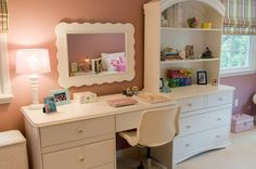 pink girl room desk