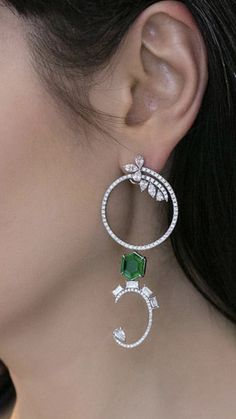 Emerald Jewelry, High Jewelry, Gemstone Jewelry, Diamond Jewelry, Diamond Earrings, Unique Jewelry, Fancy Earrings, Small Earrings, Cocktail Jewellery