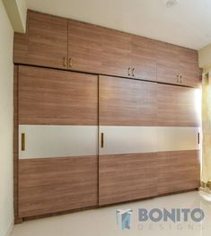 Wardrobe Laminate Design, Wall Wardrobe Design, Sliding Door Wardrobe Designs, Wardrobe Interior Design, Wardrobe Room, Bedroom Closet Design, Bedroom Furniture Design, Mirrored Wardrobe Doors, Pooja Room Door Design