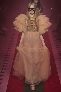 #Gucci #fashion #Koshchenets Gucci Spring 2017 Ready-to-Wear Fashion Show