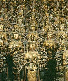 千体千手観音立像 重要文化財 National Art Museum, Japanese Temple, Gautama Buddha, World Religions, Japanese Architecture, Guanyin, Buddhist Art, Japan Art, Deities