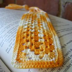 Rectangle Granny Bookmark. Good way to learn how to do a rectangular granny square.